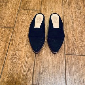 Vince Camuto classy slides
